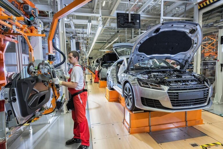 <a href='http://hellogyor.hu/de/aktive_freizeit/audi-hungaria-besucherzentrum/'>Audi Hungaria Besucherzentrum</a>