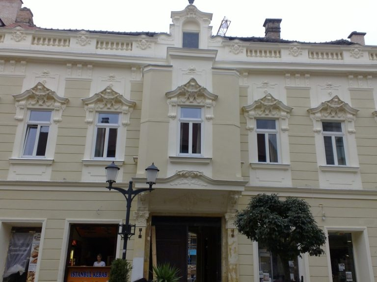 <a href='http://hellogyor.hu/en/accomodation/baross-boutique-apartman/'>Baross Boutique Apartman</a>