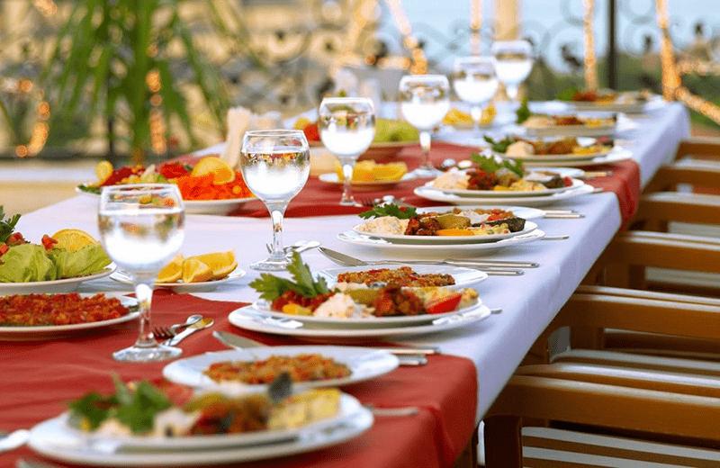 <a href='http://hellogyor.hu/de/gastronomie/club-carat-etterem/'>Club Carat Étterem</a>