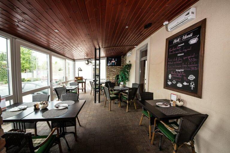 <a href='http://hellogyor.hu/gasztronomia/cosa-nostra-pizzeria/'>Cosa Nostra Bar & Pizzeria</a>