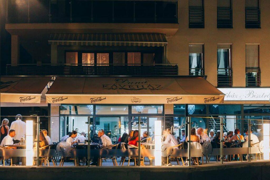 <a href='http://hellogyor.hu/de/gastronomie/duna-by-orlando/'>Duna By Orlando</a>