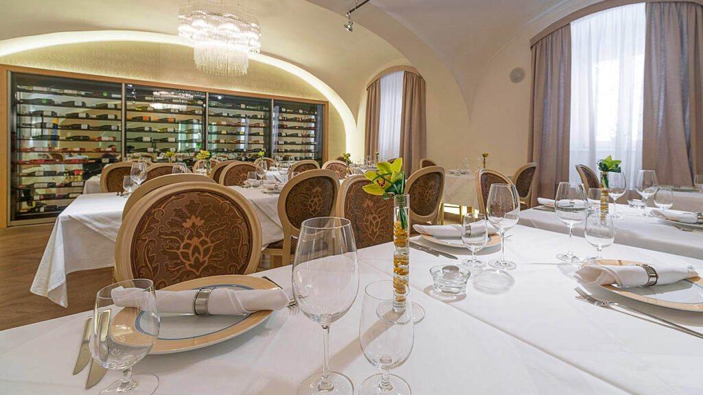 <a href='http://hellogyor.hu/de/gastronomie/la-mareda-etterem-es-bisztro/'>La Maréda Étterem És Bisztró</a>