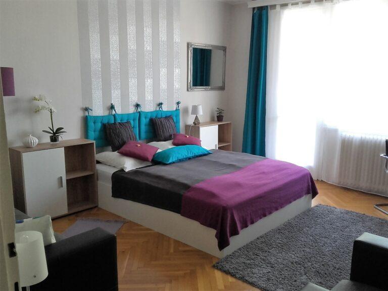 <a href='http://hellogyor.hu/en/accomodation/luca-apartman/'>Luca Apartman</a>