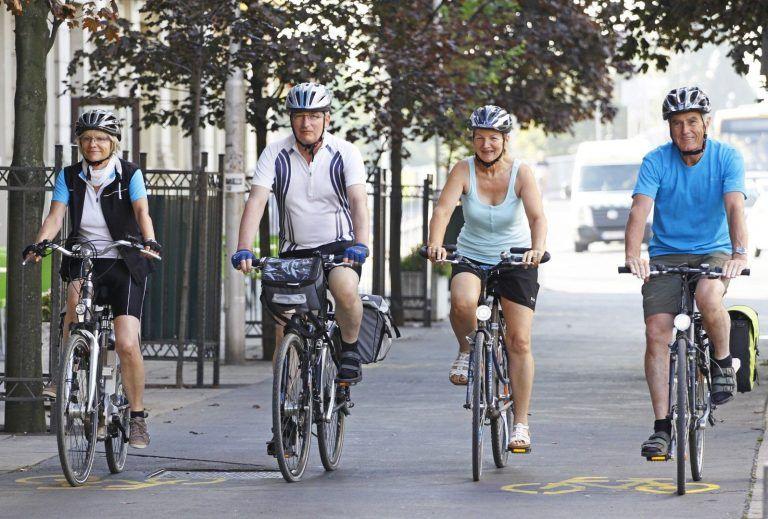 <a href='http://hellogyor.hu/aktiv_szabadido/kerekparkolcsonzes/'>Kerékpárkölcsönzés, kerékpárszervizek</a>