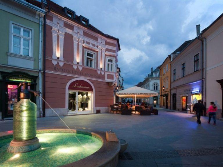 <a href='http://hellogyor.hu/en/accomodation/barokk-hotel-promenad/'>Barokk Hotel Promenád ****</a>
