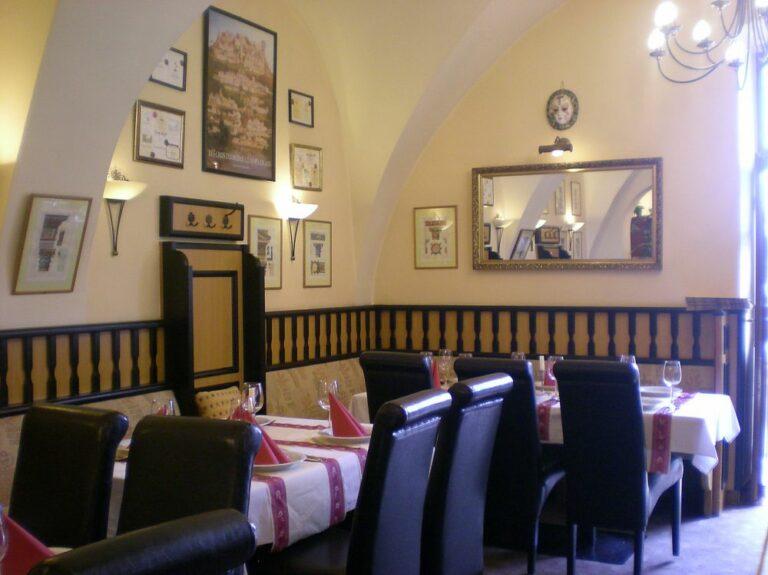 <a href='http://hellogyor.hu/gasztronomia/ristorante-romantica/'>Ristorante Romantica</a>