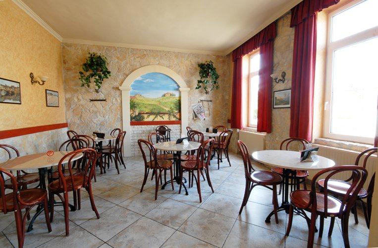 <a href='http://hellogyor.hu/de/gastronomie/toscana-cukraszda/'>Toscana Cukrászda</a>