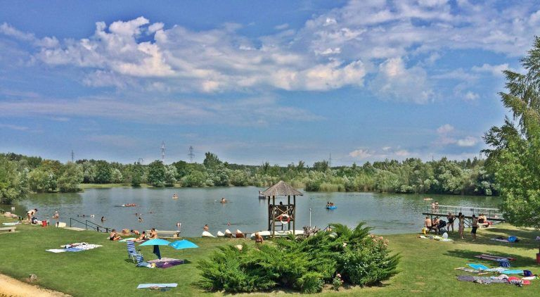 <a href='http://hellogyor.hu/en/accomodation/lake-achilles-leisure-park-and-resort-village/'>Lake Achilles Leisure Park and Resort Village</a>