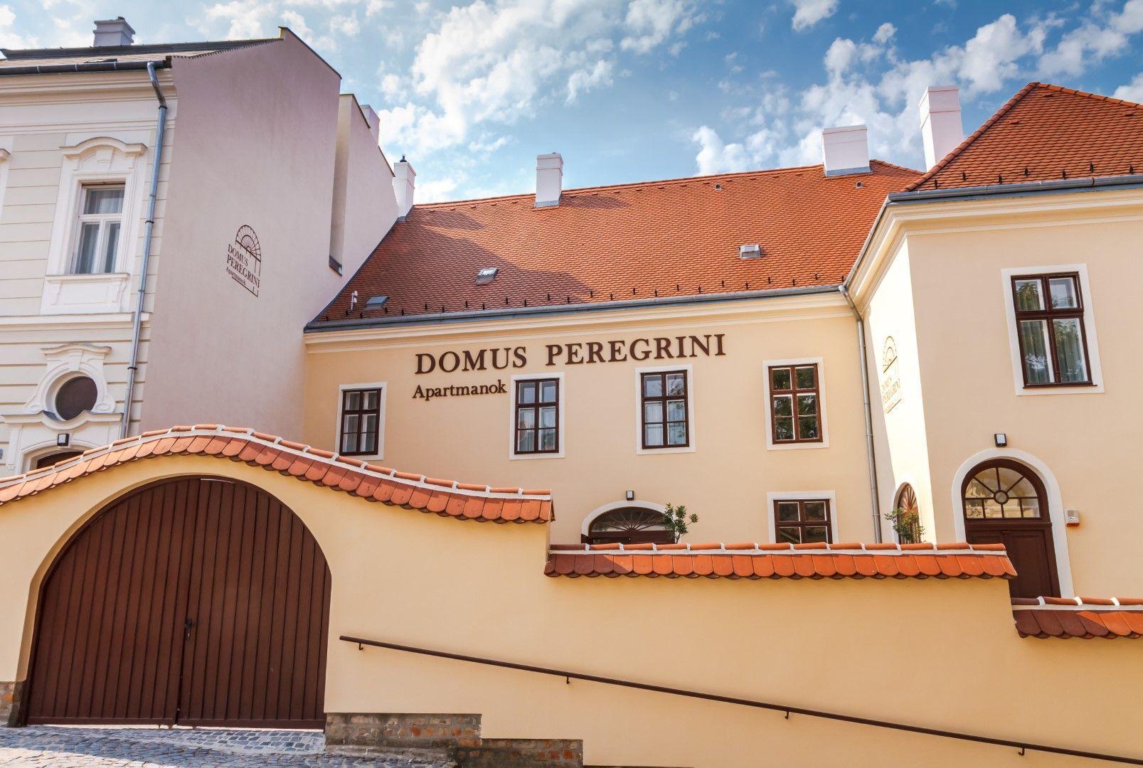 <a href='http://hellogyor.hu/en/accomodation/domus-peregrini-apartments/'>Domus Peregrini Apartments</a>