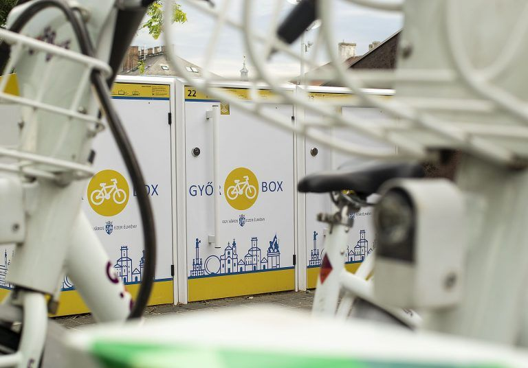 <a href='http://hellogyor.hu/de/aktive_freizeit/gyorbox-fahrradschliessfachsystem/'>GyőrBox Fahrradschließfachsystem</a>